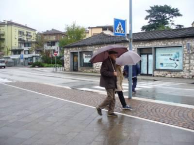 Meteo/pioggia_ombrelli_2.JPG